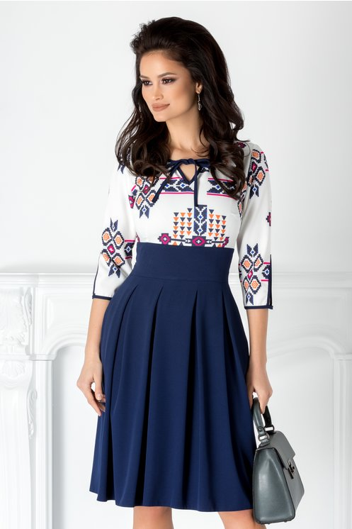 Rochie Moze Bleumarin Cu Motive Traditionale Fashion Trends 24 Romania